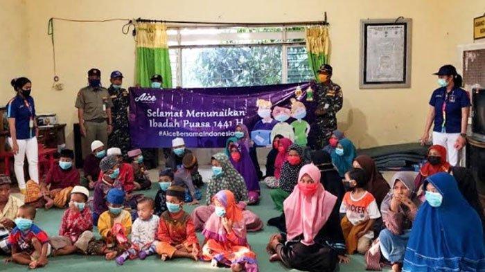 Peduli Warga Mojokerto Terdampak Covid-19, Aice Group dan GP Ansor Bagikan Paket Bahan Pokok