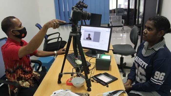 Ikut Program Coaching Clinic, Tiga Pelajar Papua Dapat SIM dari Polresta Sidoarjo