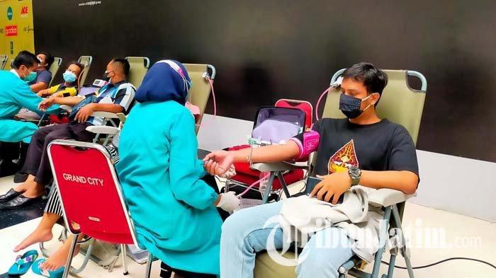 Gelar Donor Darah dan Plasma Konvalesen di Surabaya, Persos Hwa Ind Targetkan 1.000 Pendonor Sehari