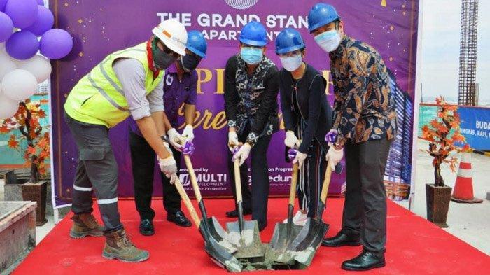 Dalam Momen Topping Off The Grand Stand Apartment Surabaya, Developer Beri Promo Besar-besaran
