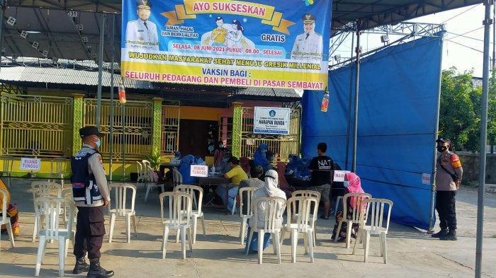 Tingkatkan Kelancaran Vaksin, Aparat Gabungan Amankan Vaksinasi di Tingkat Kecamatan