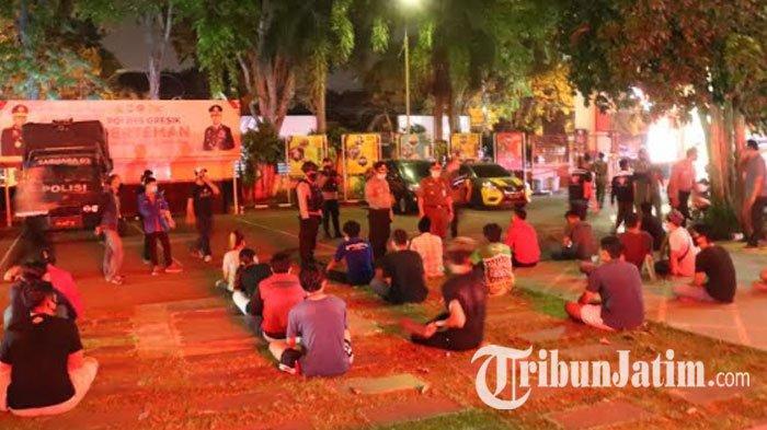 Beri Efek Jera Pelanggar Jam Malam PSBB Gresik, Pemkab Usulkan Sanksi Menginap di Polres atau Kodim