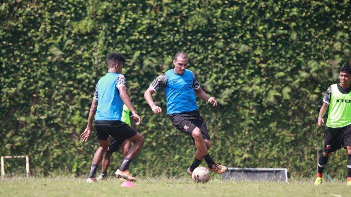 Piala Menpora 2021 - Pelatih Madura United Ungkap Kondisi Fisik Bruno Lopez dan Jaimerson