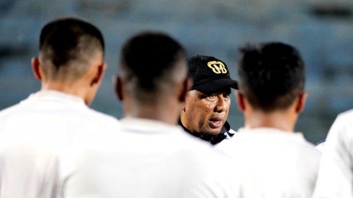 Pelatih Madura United Beri Pandangan Soal Wacana Liga 1 2021 dengan Penonton