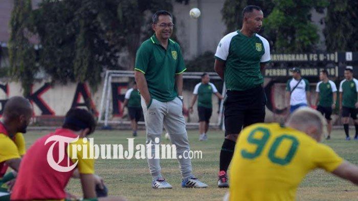 Wakil Kapten Persebaya Surabaya Sambut Positif Reuni dengan Pelatih Aji Santoso