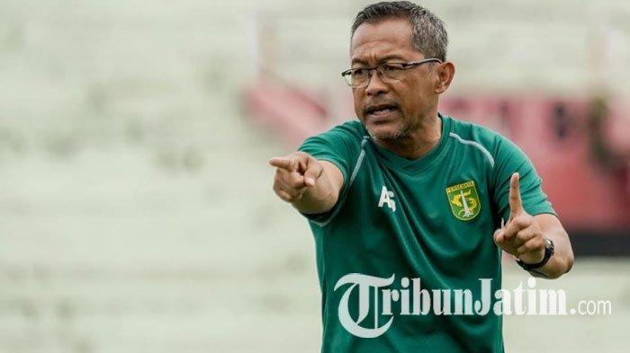 Jelang Kompetisi Bergulir, Aji Santoso Ingatkan Pemainnya Untuk Jaga Kondisi
