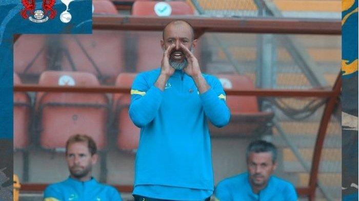 Pelatih Tottenham Hotspur, Nuno Espirito Santo, melakoni debut melawan Leyton Orient, Sabtu (17/7/2021) waktu setempat.