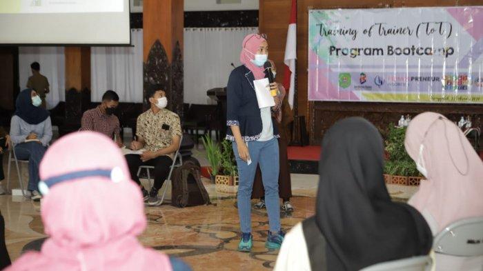 Pemkab Trenggalek Latih Para Pendamping Calon Wirausahawan Perempuan Baru