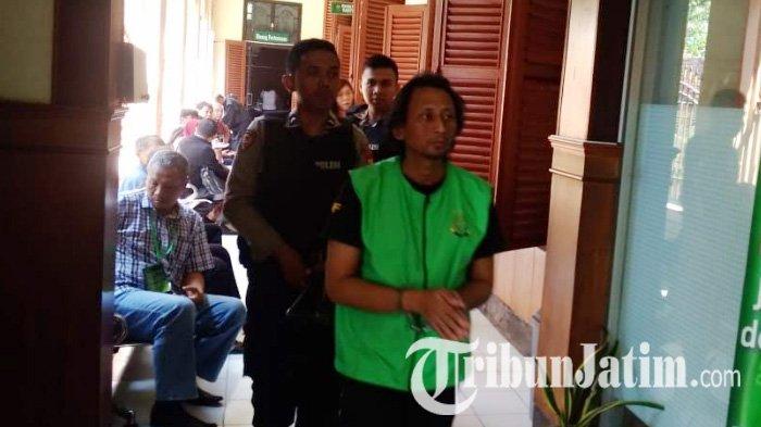 Hina Tuhan di Sosial Media, Pria di Surabaya Dituntut Dua Tahun Penjara