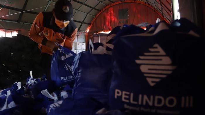 Jelang Idul Fitri, Pelindo III Bagikan 37.000 Paket Sembako untuk Masyarakat Sekitar Pelabuhan