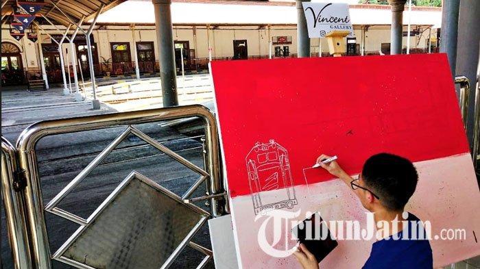 Beri Kado HUT ke-74 Kereta Api, Pelukis Berkebutuhan Khusus Ini Pajang 12 Lukisan di Stasiun Gubeng