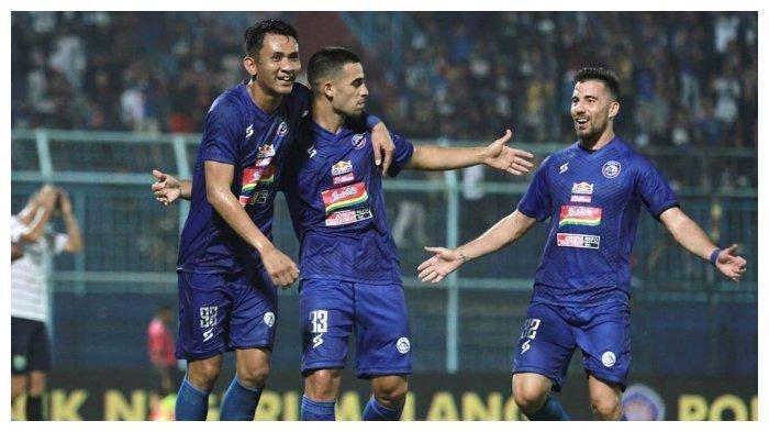 Sulit Dapat Tempat Gegara Corona, Pemain Arema FC Latihan di Rumah Pakai Video 'Arema Home Workout'