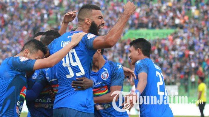 Hasil Akhir Arema FC Vs Persipura, Diwarnai Drama Kartu Merah, Singo Edan Menang 3-1