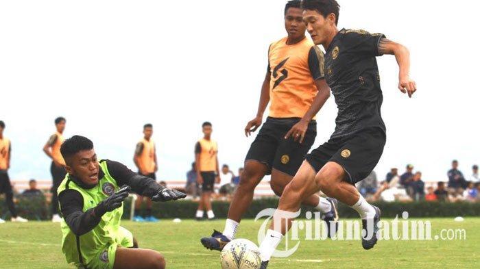 TERPOPULER BOLA: Tiga Pemain Asing Ini Lolos Verifikasi PSSI hingga 3 Pemain Asing Anyar Arema FC