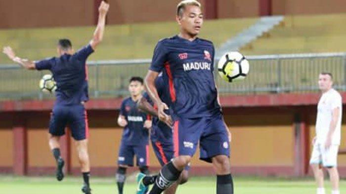 5 Musim Berseragam Madura United, Asep Berlian Ungkap Musim Terberatnya Bela Laskar Sape Kerrab