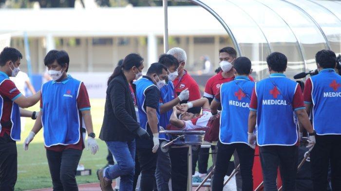 Alami Benturan di Kepala, Pemain Madura United Dilarikan ke Rumah Sakit dan Harus Terima 6 Jahitan