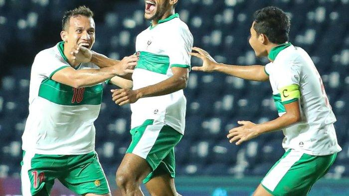 Pemain Persebaya, Ricky Kambuaya saat menjalani laga bersama timnas Indonesia hadapi Taiwan.