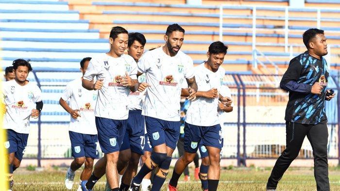 Para pemain Persela Lamongan menunjukkan progres yang positif selama menjalani latihan menghadapi kompetisi Liga 1 2021-2022.