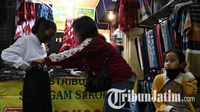 NEWS VIDEO: Jelang Tahun Ajaran Baru, Seragam Sekolah Laris Diburu Pembeli di Pasar Blauran Surabaya
