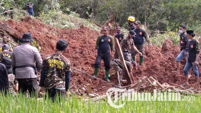 Pencarian Korban Tanah Longsor di Nganjuk Hari Ketiga Terhambat Hujan, 6 Korban Belum Ditemukan