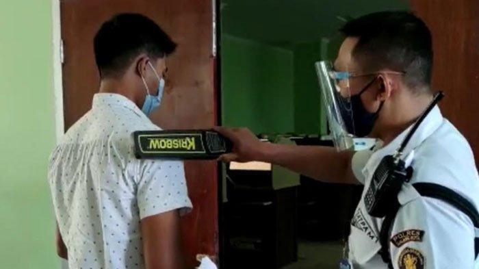 Cegah Gadget Saat UTBK-SBMPTN di Universitas Brawijaya Malang, Peserta Diperiksa Metal Detector