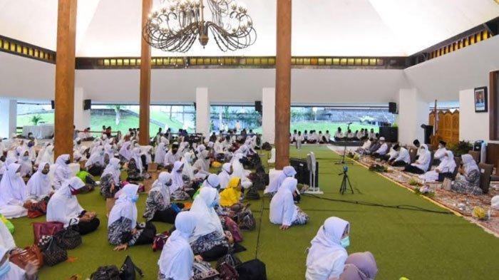 Sambut Nuzulul Quran, Banyuwangi Gelar Khataman Akbar untuk Bangsa