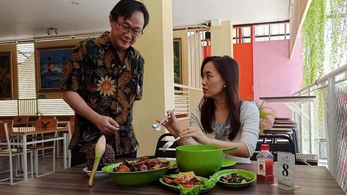 Dapoer Kecombrang Surabaya Sajikan Berbagai Menu dengan Rempah Honje, Cicipi Kelezatannya yang Unik
