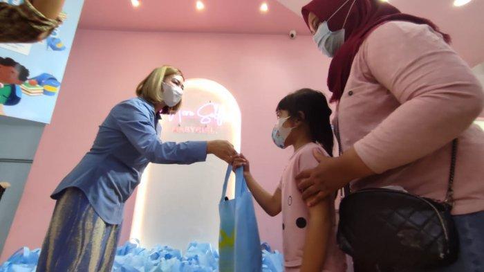 Ratusan Pelajar Terdampak Pandemi dapat Tas Sekolah Gratis dari Delvation