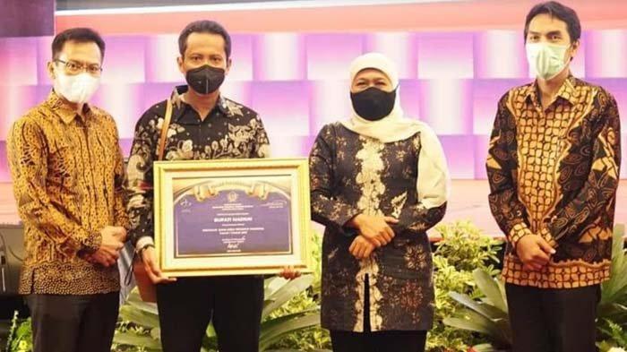 Pemkab Madiun Terima Penghargaan Sebagai Penyalur Dana Desa Tercepat Nasional Tahap I Tahun 2021