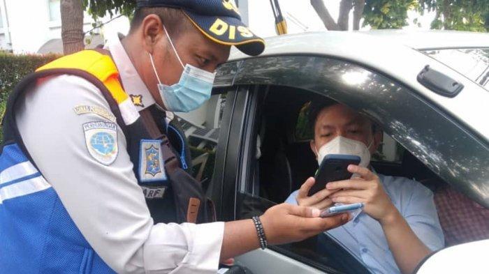 Pemkot Mulai Sosialisasi Inovasi Parkir di Surabaya: Sistem Cashless dan Tak Pakai Peluit