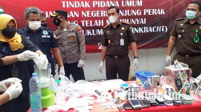 Kejari Tanjung Perak Surabaya Musnahkan 1.813 Gram Sabu dan Alat Isap, Hasil Ungkap Kasus Maret 2021