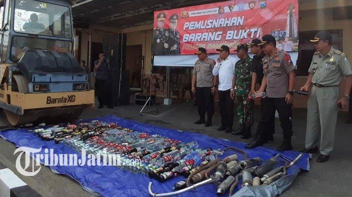 Polres Sampang Musnahkan Ratusan Miras dan 17 Unit Kenalpot Brong, Lanjut Operasi Lilin Semeru 2019