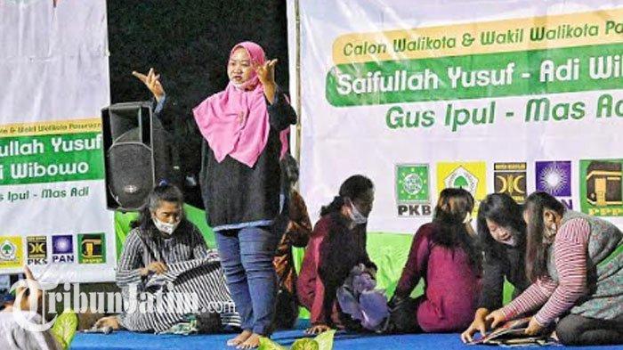 Emak-emak Tampilkan Teatrikal Sambut Cawali Gus Ipul, Sampaikan 'Masalah Langganan' diPasuruan