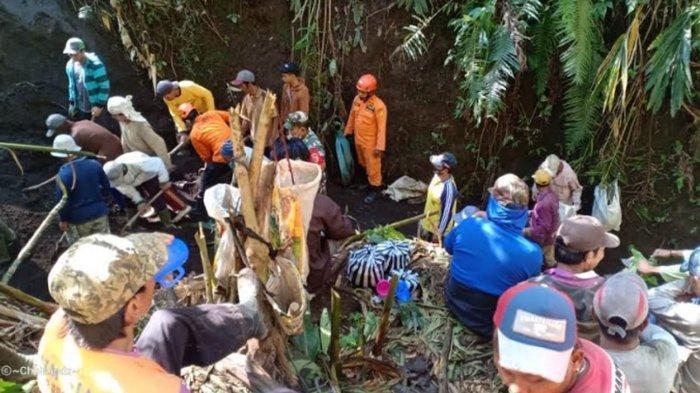 Pencari Rumput Tewas Tertimbun Longsoran Tebing di Desa Tamansari Kabupaten Malang