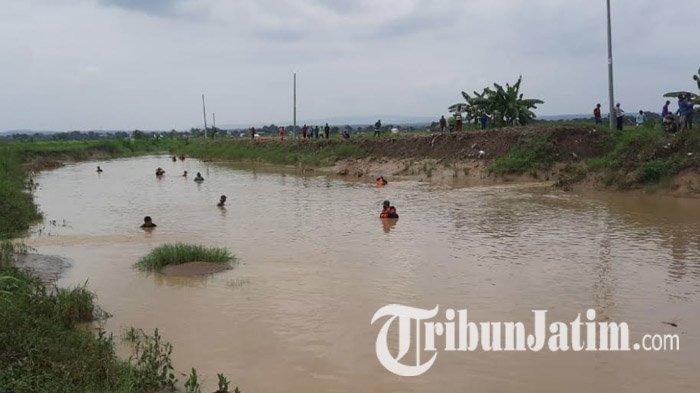 Hari Kedua Pencarian Petani di Tuban yang Terseret Banjir, Tim SAR Sisir Sungai Hingga Laut