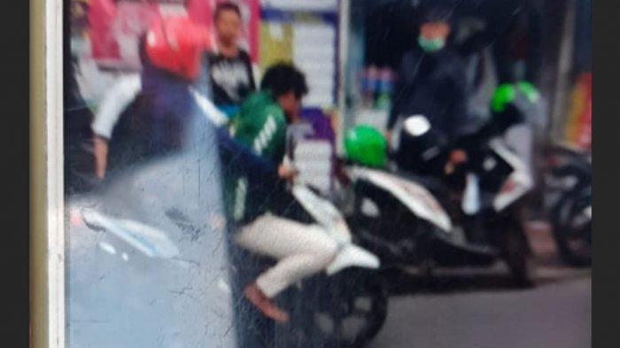 'Brak' Kepergok Curi Motor di Jalan Ketintang Barat Surabaya, Seorang Pria Dihakimi Warga