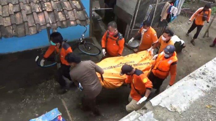 Jenazah Mr X Mengambang di Sungai Bengawan Madiun, Petugas Sempat Alami Kesulitan Saat Evakuasi