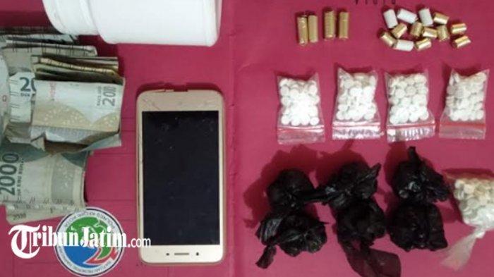 Pengedar Narkoba Dikeler dari Rumahnya di Kelurahan Banjaran, Polisi Temukan 984 Butir Pil Dobel L