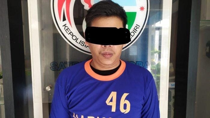 Pemuda Gedangsewu Pare Kediri Dicokok Polisi Karena Hendak Edarkan Narkoba dari Rumahnya