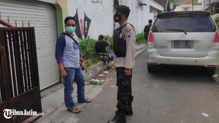 Densus Amankan Terduga Teroris di Tuban