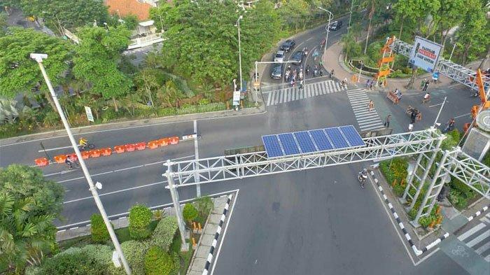 Antisipasi Pemadaman Listrik Total, Pemkot Surabaya Perbanyak Solar Cell di Traffic Light & Kantor