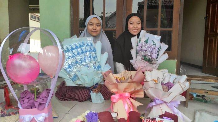 Buket Bunga dari Uang Asli Jadi Kado Favorit di Mojokerto Saat Valentine Day Saat Pandemi