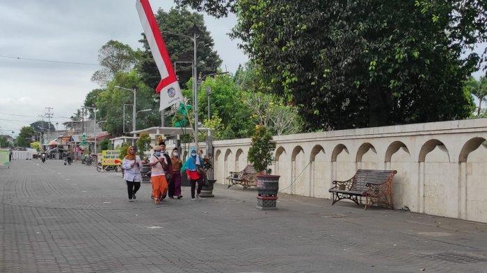 Uji Coba New Normal, Pengunjung Masuk ke Pusara Bung Karno Kota Blitar Ditambah Jadi 50 Orang