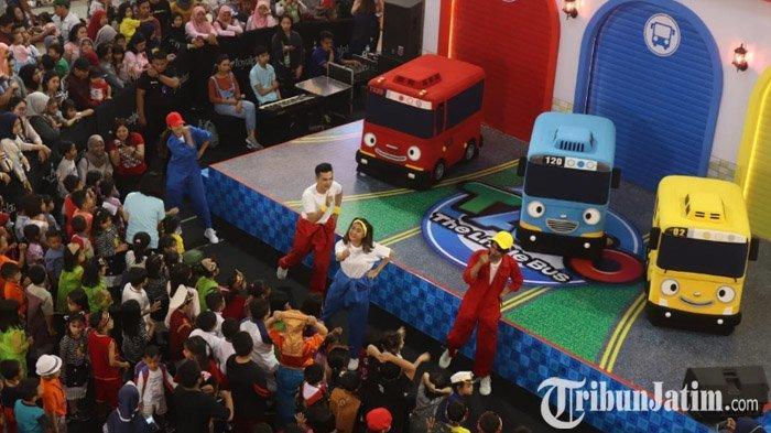 LIVE: Simak Serunya Karakter The Little Bus Tayo Menyapa 300 Anak-anak di Royal Plaza Surabaya