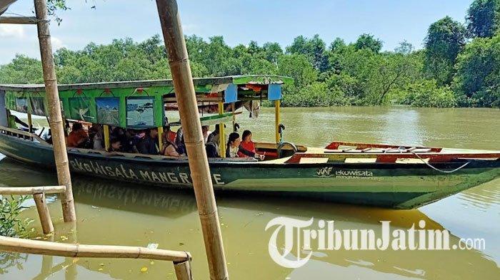 Menikmati Libur Lebaran di Hutan Mangrove Wonorejo Surabaya, Naik Perahu sampai Foto Langsung Jadi