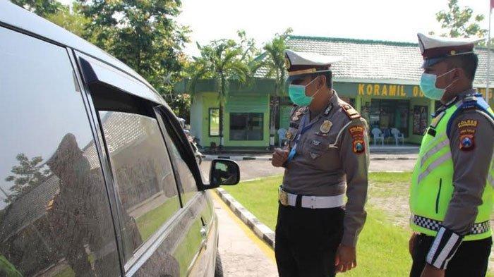 Pos Check Point Padangan, Jalur Perbatasan Jatim-Jatim Diperketat, Pemudik Melintas Putar Balik