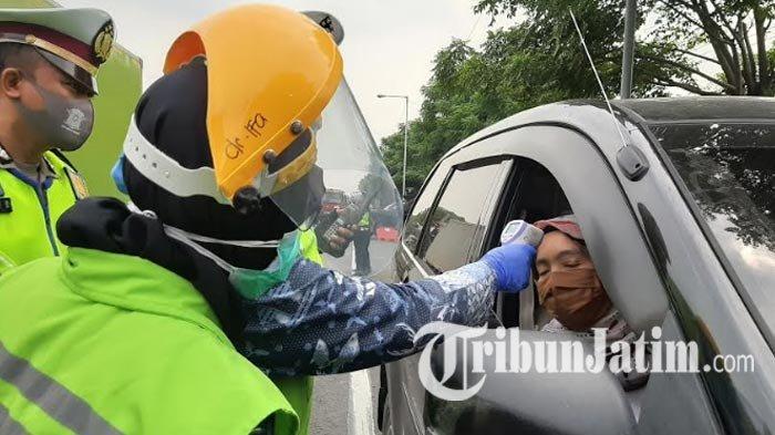 PSBB Gresik Hari Pertama Diwarnai Pelanggaran, Pengendara Tak Pakai Masker hingga Sarung Tangan