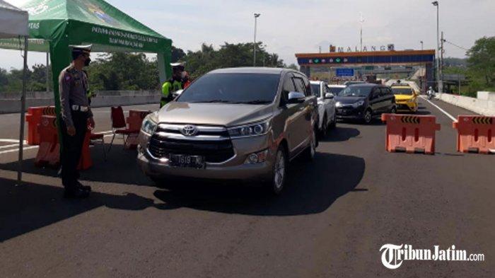 30 Lebih Mobil Putar Balik di Exit Tol Madyopuro, Rata-rata Beralasan Ingin Berwisata ke Pantai