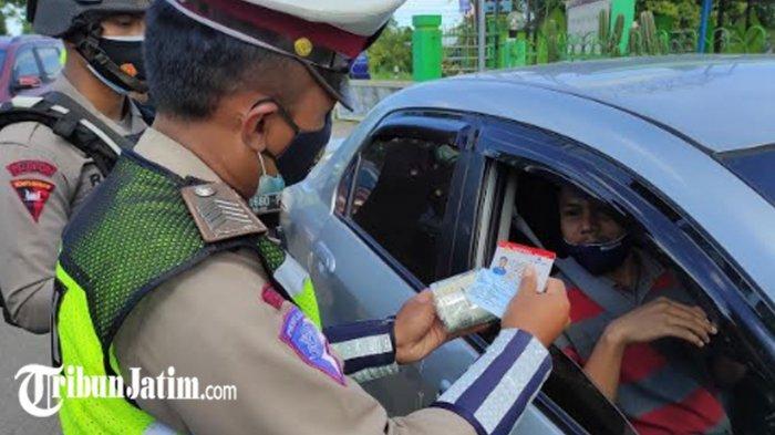 Ada Penyekatan Kendaraan di Kecamatan Srengat Blitar, Antisipasi Covid-19 di Masa PPKM Darurat