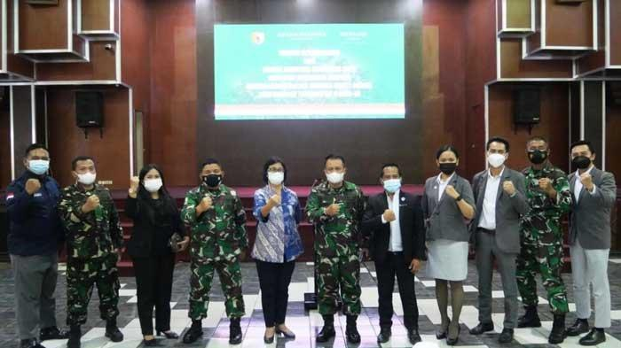 Grand Mercure Surabaya City dan Mercure Surabaya Manyar Serahkan 1.000 Box Paket Sembako pada Warga